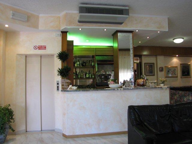 Hotel Nanda - Bar